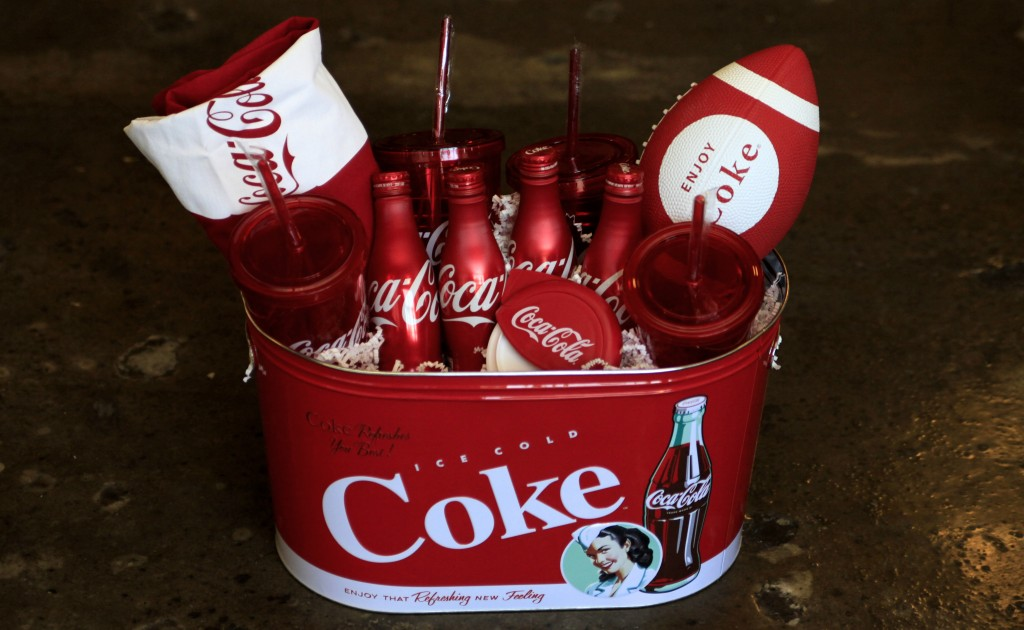BIG GAME COCA-COLA PRIZE PACK- $100 ARV- ENDS 1/25 AT 1159P
