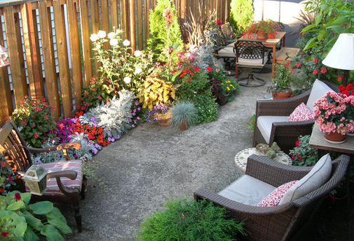 The backdoor high life ideas for an outdoor living space - Simple outdoor living spaces ...