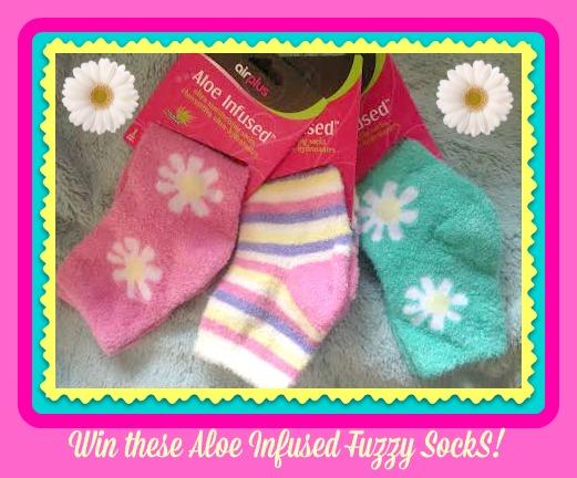 3 pair socks button