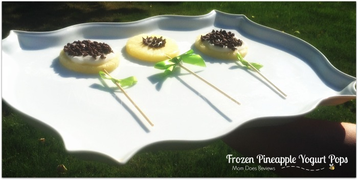Frozen Pineapple Yogurt Pops #Recipe #MomDoesReviews