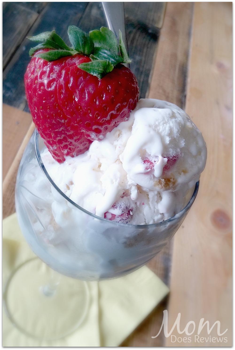 Homemade-Strawberry-Cheesecake-Ice-Cream
