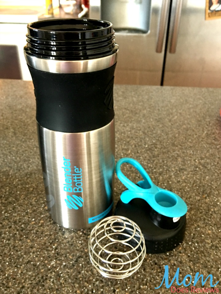 how to make a protein shake with a blender bottle
