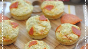 Savory Pizza Zucchini Muffins {Day 11} #12Daysof School Lunches