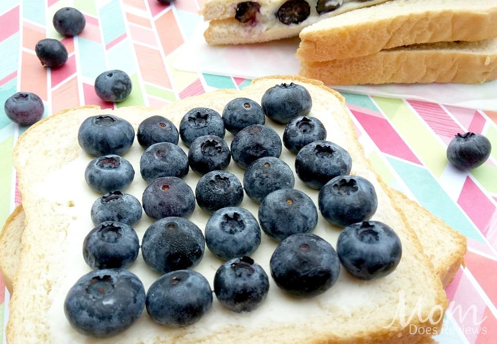 Sweetened Berry & Cream Cheese Sandwich, School Lunch Ideas, #BTS #MomDoesReviews
