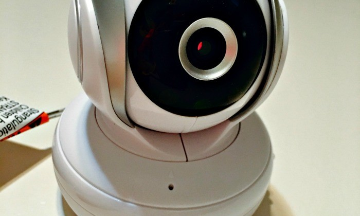 Keep an Eye on Baby with Motorola MBP33S Digital Video Baby Monitor #Review