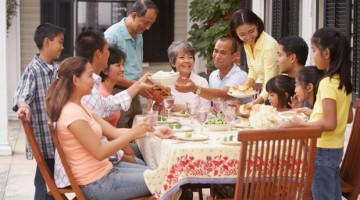 7 Ways to Have a Memorable Family Reunion