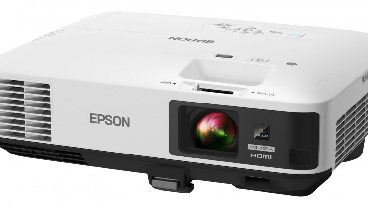 The Epson Ultra Bright Home Theater Projector for Sports & Movies! #ad @BestBuy @EpsonAmerica
