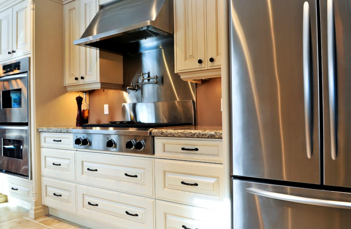 clear-up-space-5-storage-options-for-your-kitchen