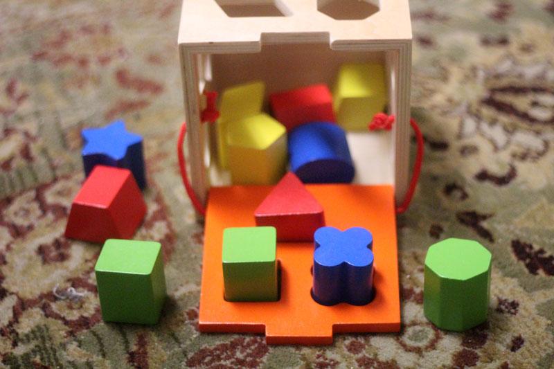 classic-wood-toys-cubbi-lee-1