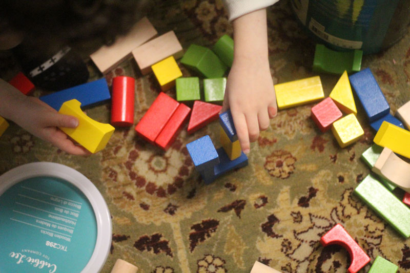 classic-wood-toys-cubbi-lee-10