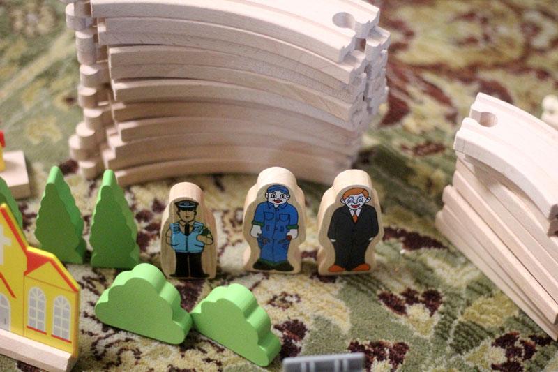 classic-wood-toys-cubbi-lee-5