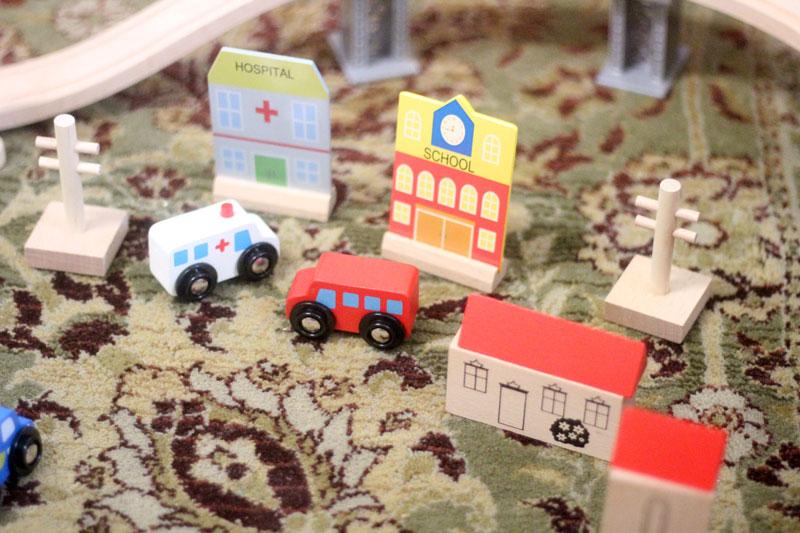 classic-wood-toys-cubbi-lee-9