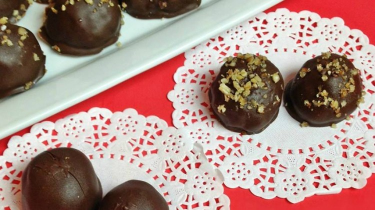 #12Daysof Valentine's Day Recipes {Day 12} Chocolate Coconut Bon Bons