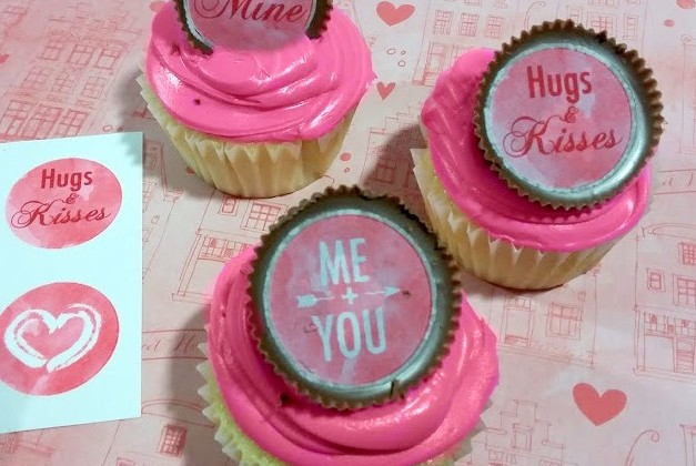 #12Daysof Valentine's Day Recipes {Day 8} Cupcakes with Sweetheart Peanut Butter Cup Toppers
