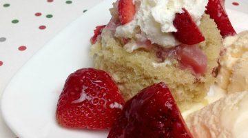 Strawberry Mug Cake Recipe for a Single-Serve Delight!