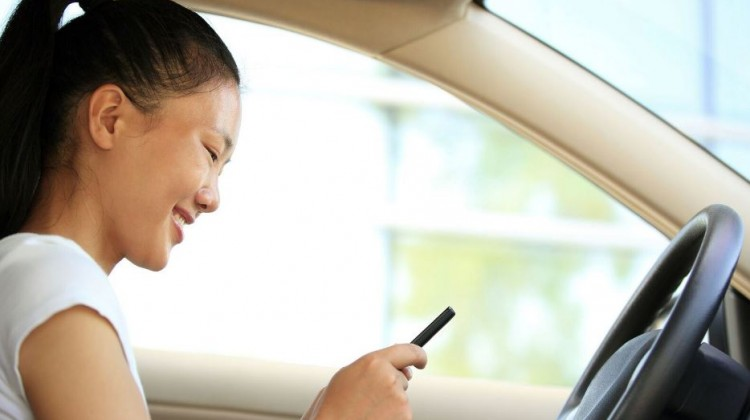 Texting Teens: How Parents can Address Distracted Driving