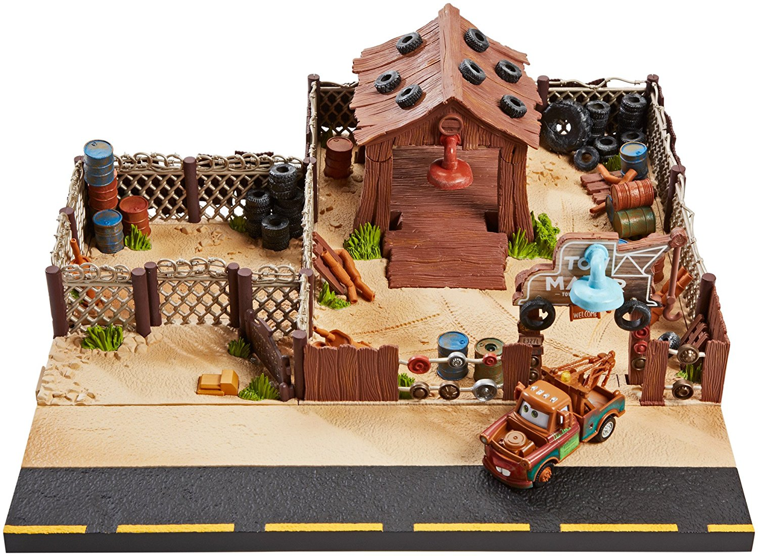 Cars Maters Towing and Salvage Playset and Vehicle