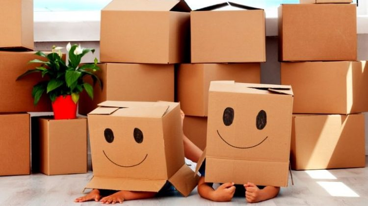 Large Family Moves: 7 Tips to Make The Process Easier