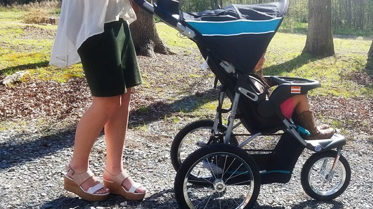 Mammas, Get Ready for Spring with Baby Trend Jogging Stroller #Review