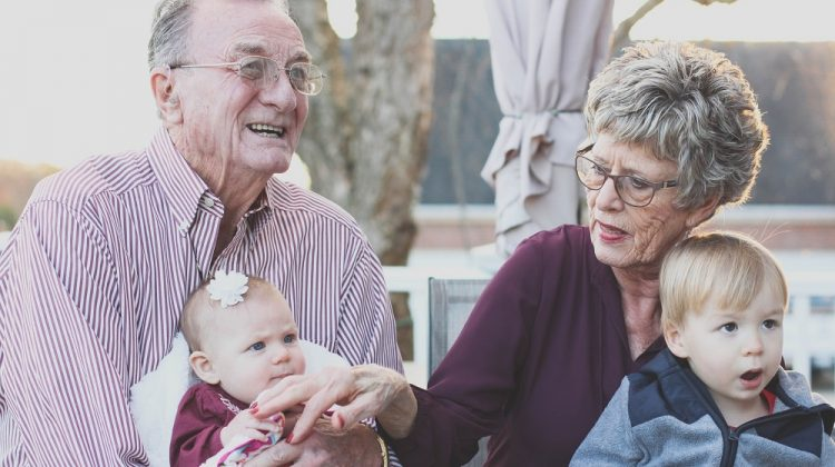 How to Keep Your Kids' Grandparents Involved in Their Lives Despite Increasing Age