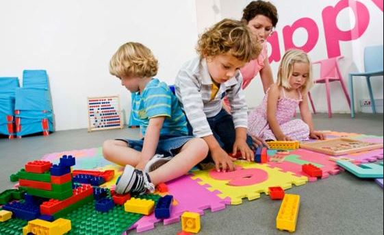 Early Education: 7 Reasons to Put Your Kids in Pre-School