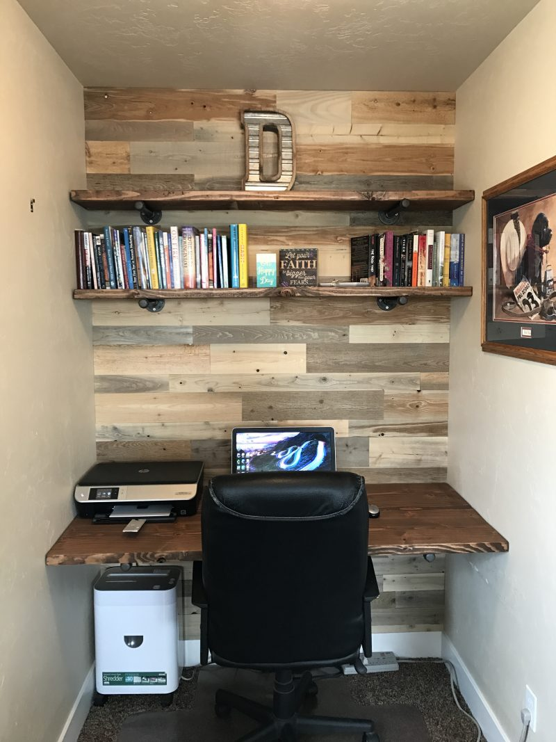 DIY workspace from Reclaimed wood