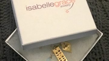 Isabelle Grace Gets Personal #review #GradGifts17