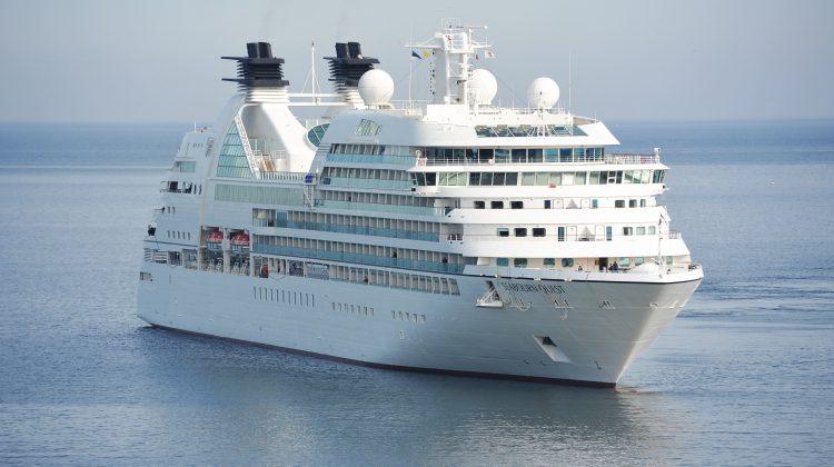 5 Tips for Enjoying a Honeymoon Cruise