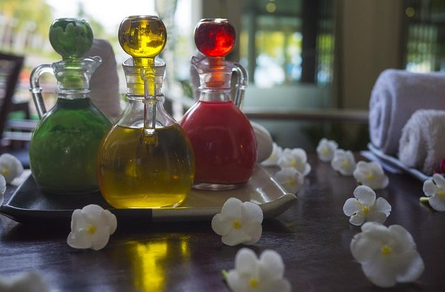 5 Effective Ways to Use Essential Oils to Clean Your Home