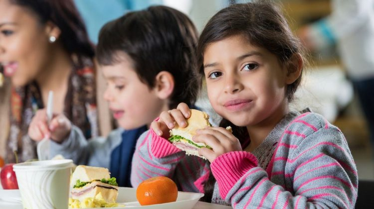 5 Ways to Pack a Healthier Lunch for Your Kids #Back2School17