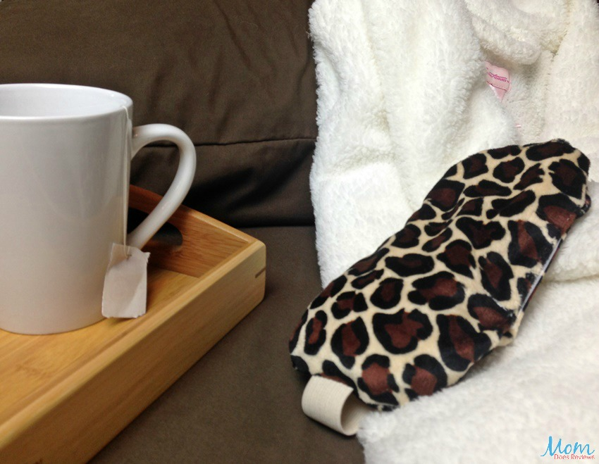 Soothing eye mask and tea