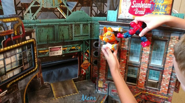 Provide Hours of Imaginative Play with The Urban Playset by ReadySetz #Review #MegaChristmas17