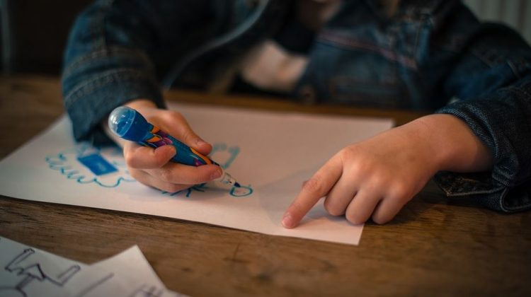 4 Fantastic Ways to Introduce Children to Art and Illustration