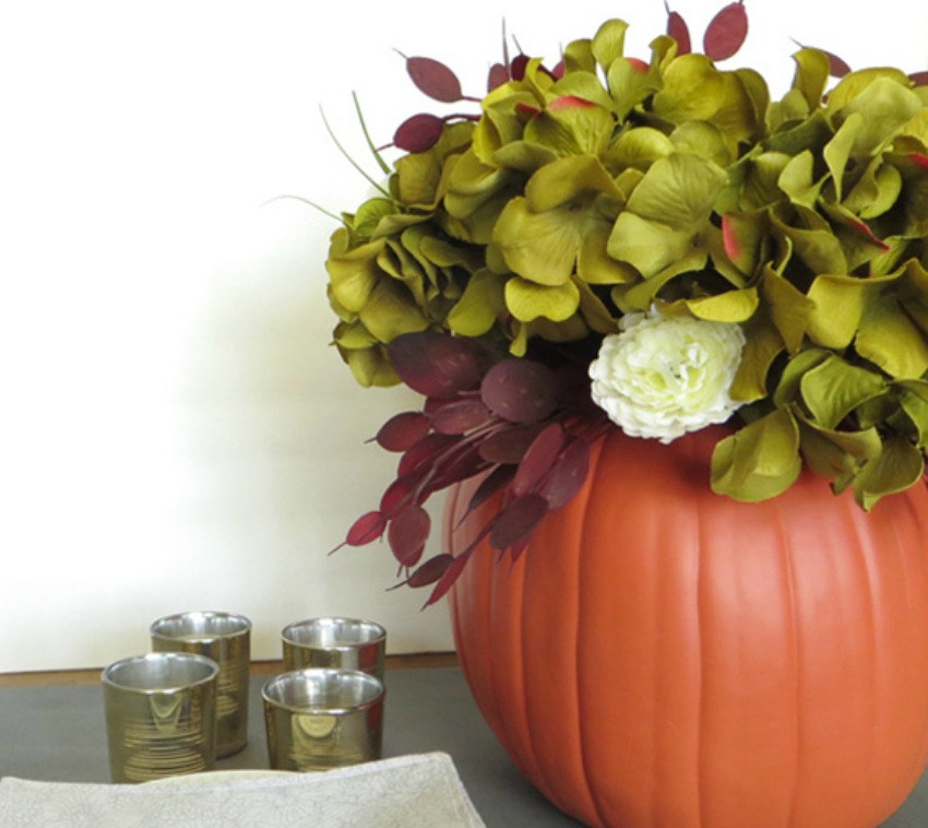 HOW TO MAKE A DIY PUMPKIN VASE CENTERPIECE