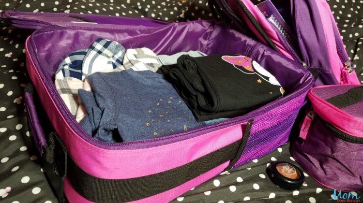 Kids Luggage Set Makes Holiday Travel Easier #MegaChristmas17