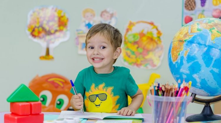 5 Ways to Identify an Excellent Teacher for Your Child