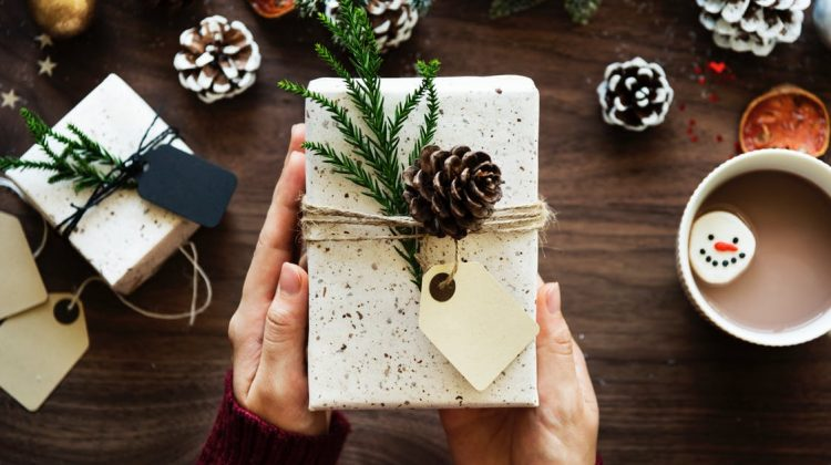 Digital Shopper: How to Maximize Online Deals for Christmas
