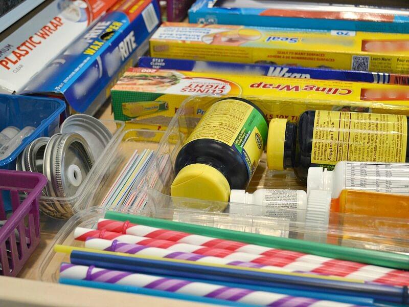 Organizing-Kitchen-Drawers
