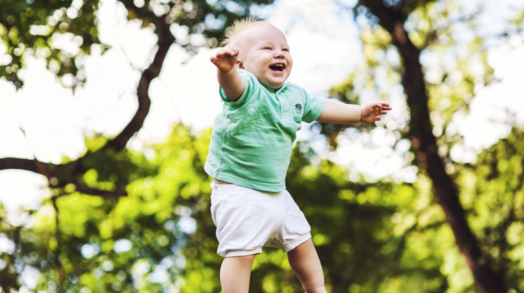 4 Care Tips for Your Little One's First Teeth