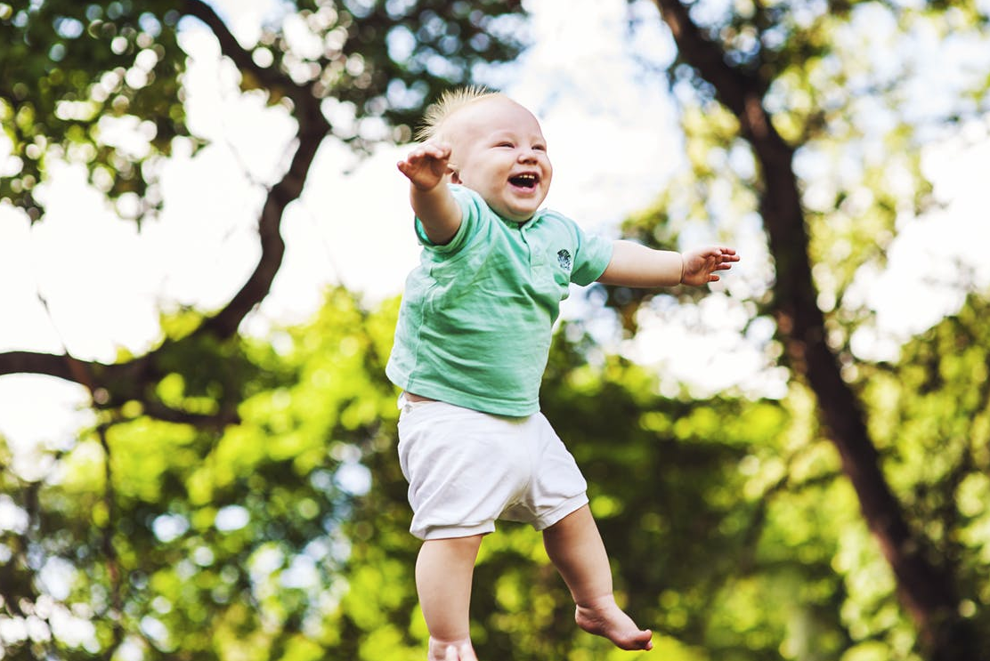 4 Care Tips for Your Little One's First Chompers