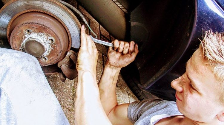 How to Teach Your Teen to Repair Their Car Without Spending a Fortune