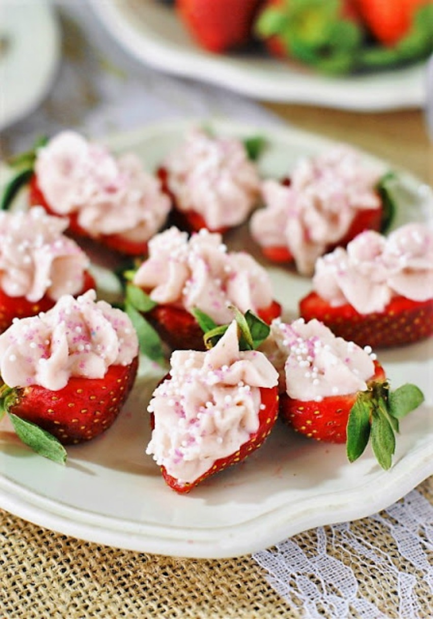 Strawberry Cheesecake Strawberry Bites