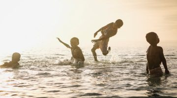 Do Summer Right! 4 Things Your Kids Can Learn at the Lake