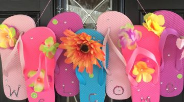 Make a Fun Flip Flop Summer Time Door Hanger #Craft