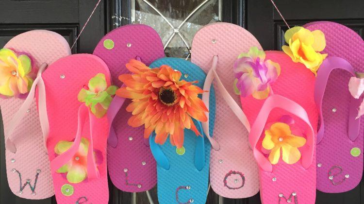 Make a Fun Flip Flop Summer Time Door Hanger #Craft