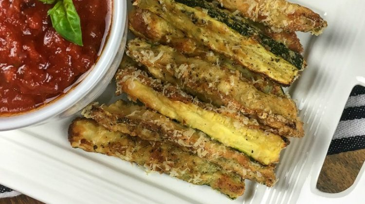 Crispy Zucchini Fries with Marinara Sauce