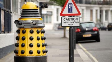 10 Warning Signs You Only See in London