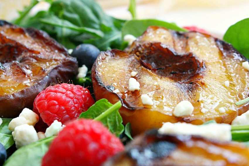 Grilled Peach and Berry Summer Salad