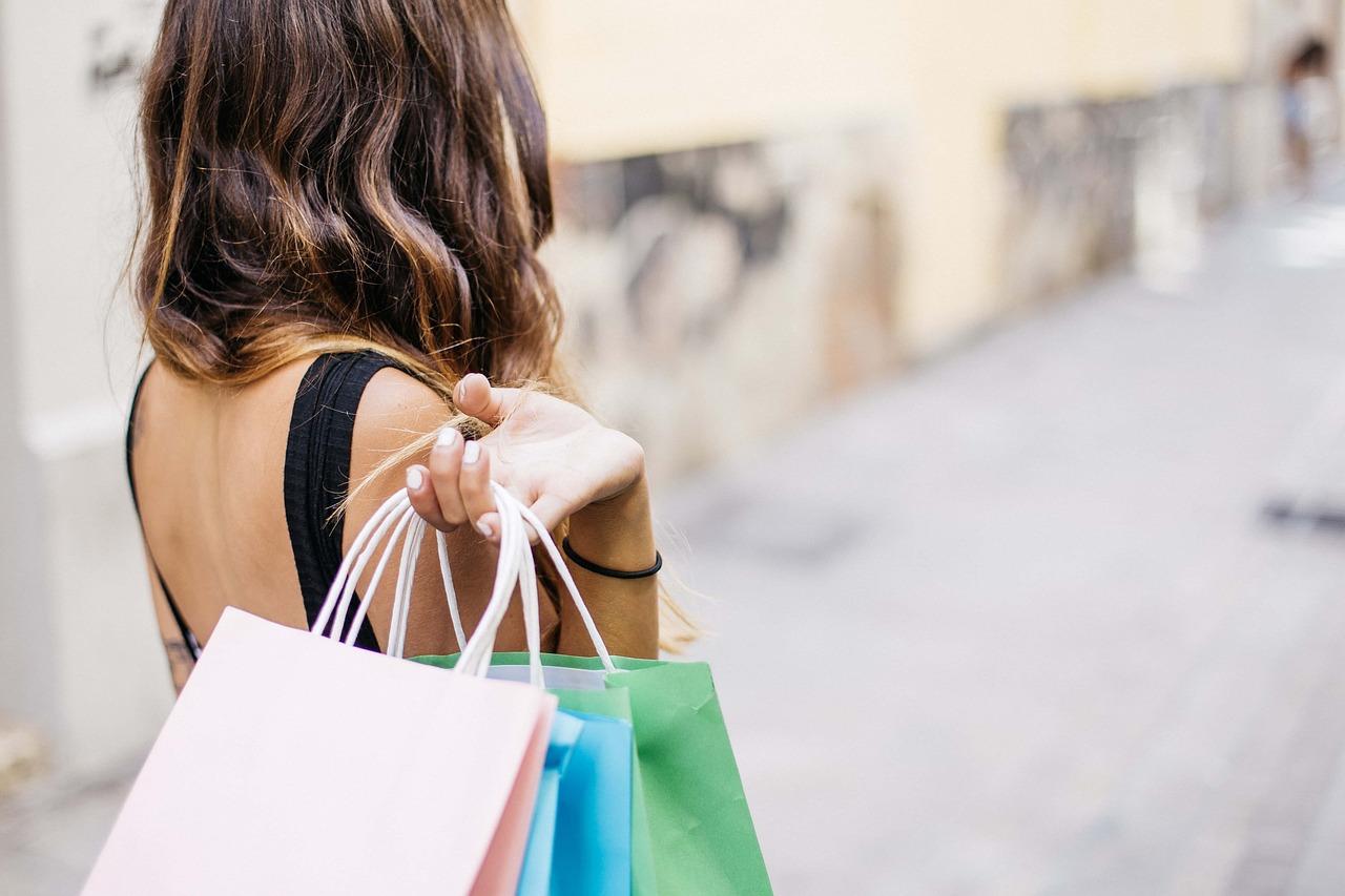 4 Perks of Online Catalog Shopping