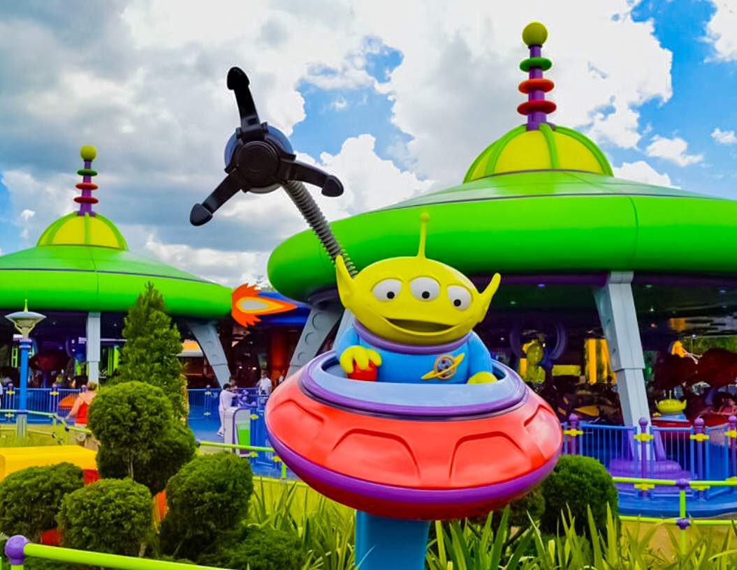 Swirling Saucers at Toy Story Land
